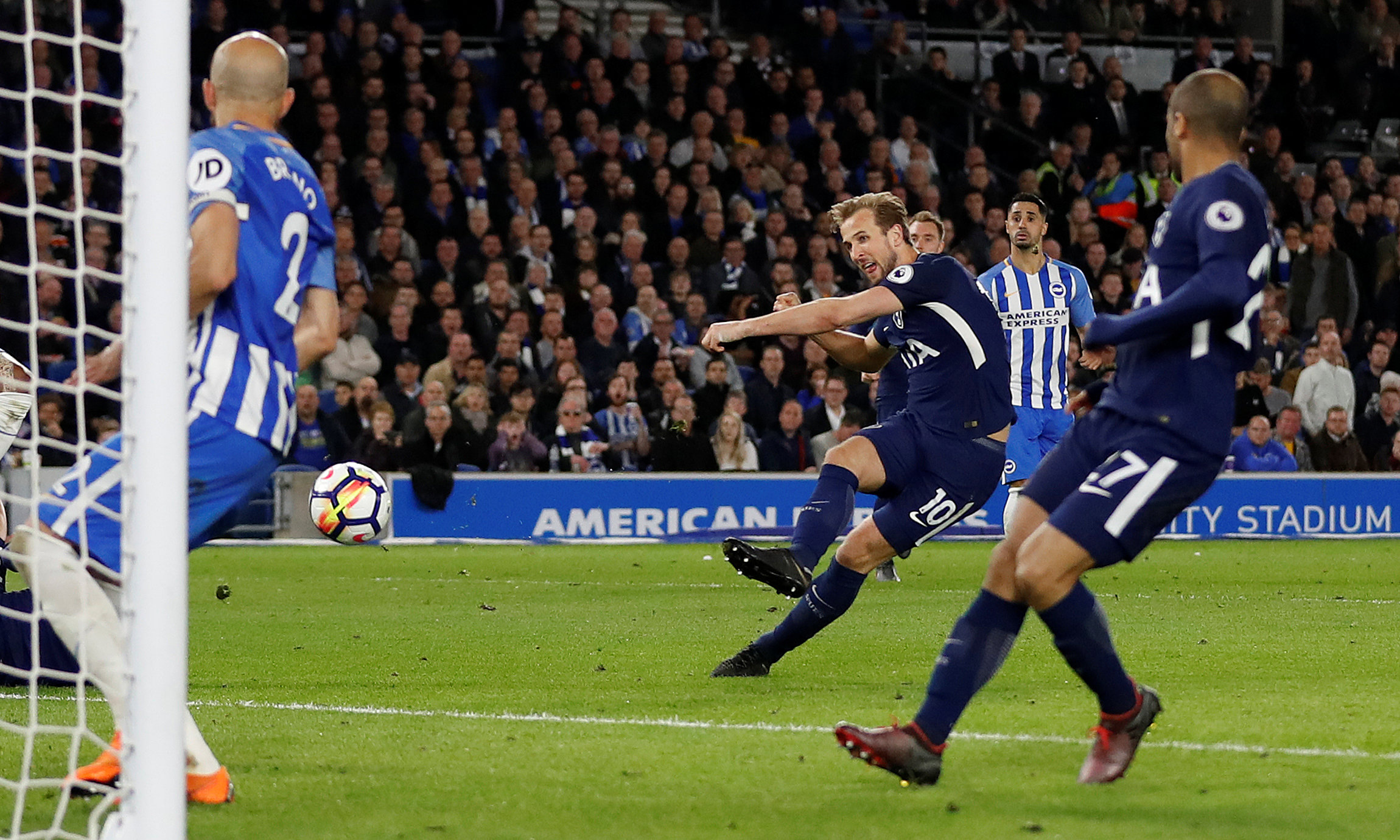 Kane ignites Golden Boot bid as Spurs draw with Brighton