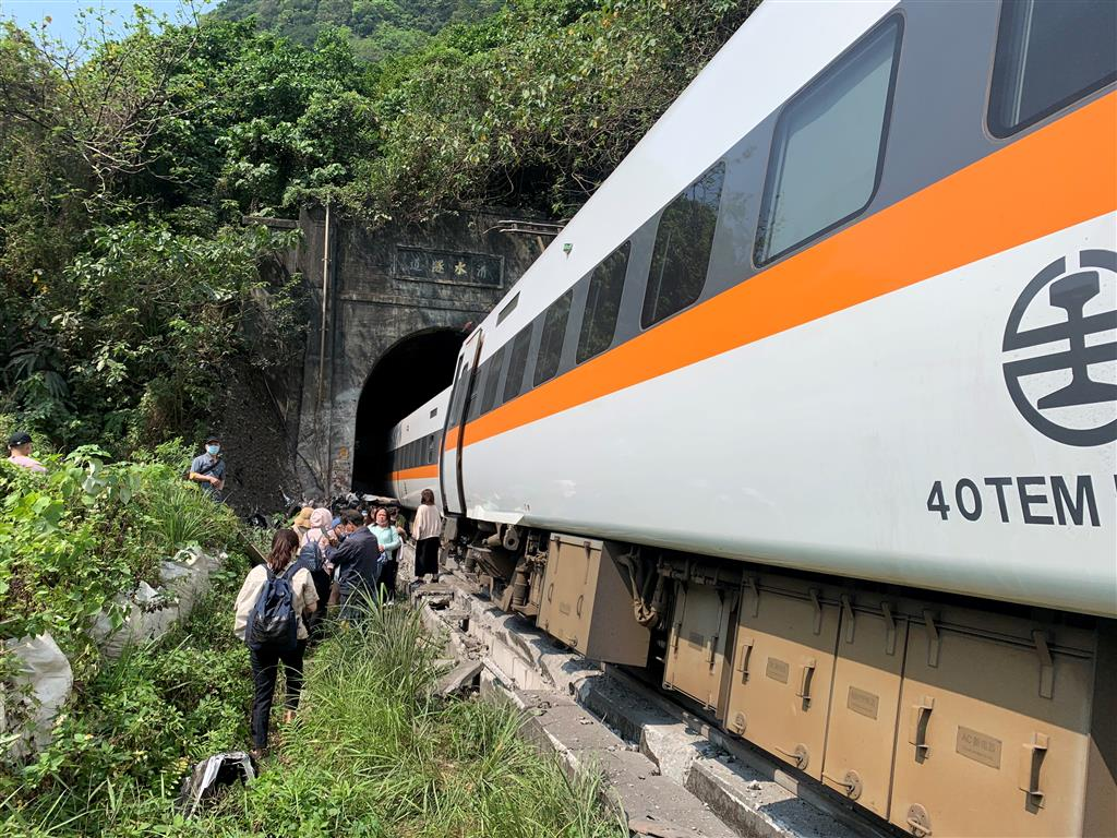 Taiwan train crash: At least 34 killed, 72 injured