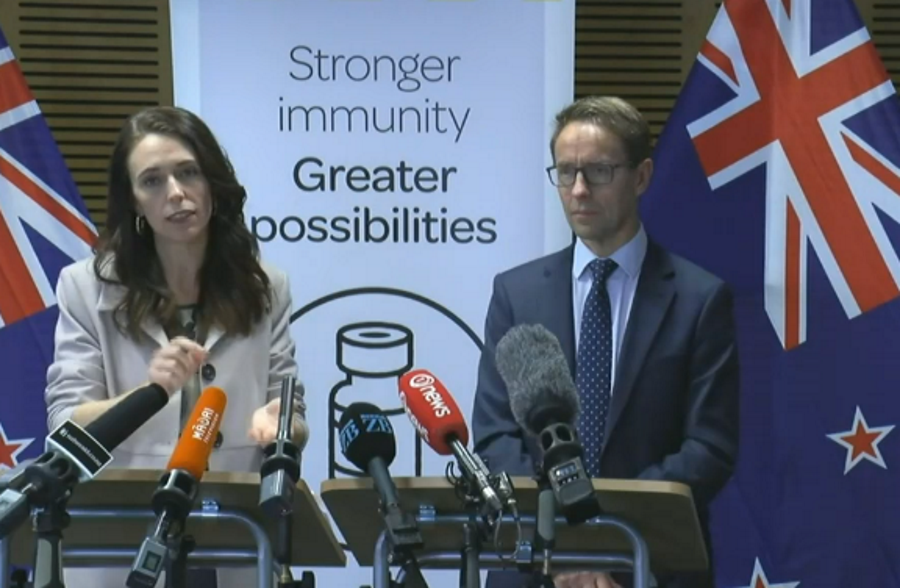 Prime Minister Jacinda Ardern and Director-General of Health Ashley Bloomfield. Image: NZ Herald