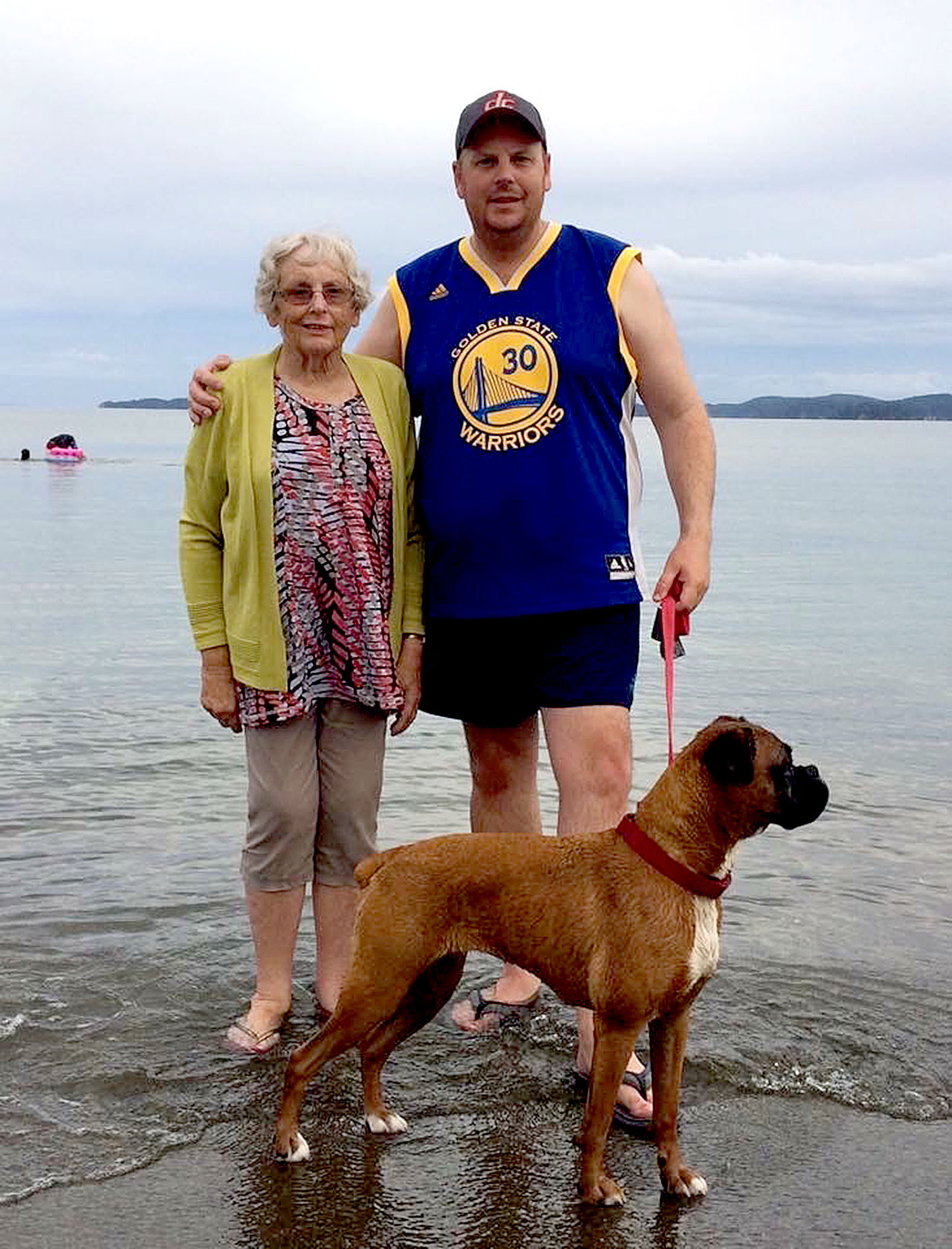 Bevan Sandison with his mother Raewynne who died of cancer in 2018. Photo: Supplied