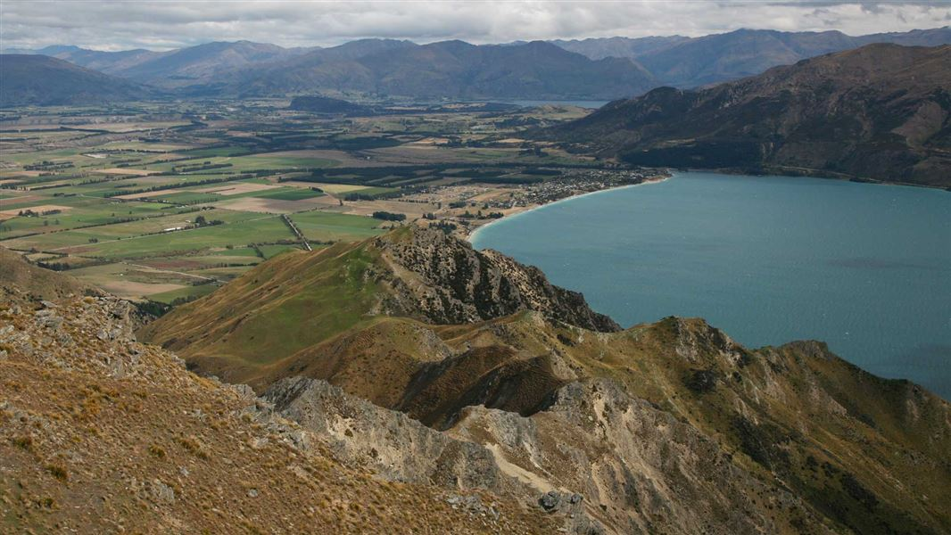 The Breast Hill Track in Hawea Conservation Park. Photo: DOC
