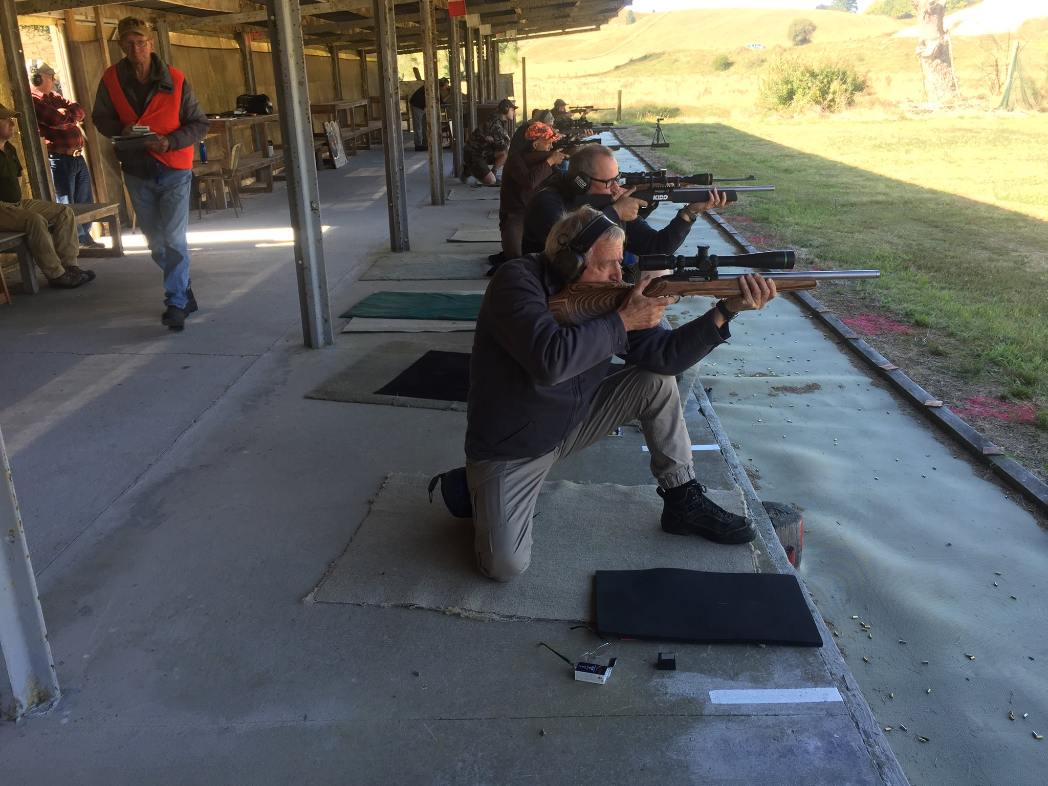 针对新西兰Deerstalkers协会成员的目标实践。照片提供