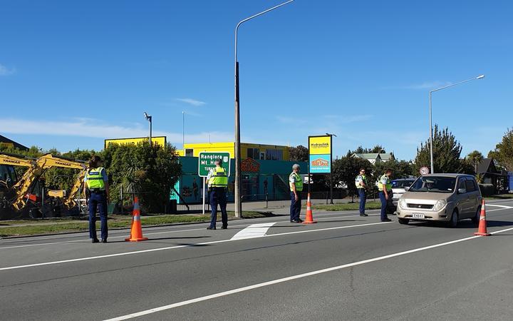 The police checkpoint in Amberley. Photo: RNZ / Anan Zaki