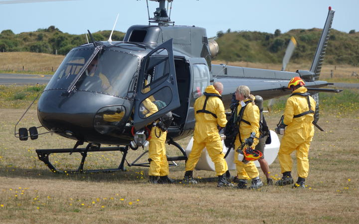 The recovery teams returned to Whakatāne Airport after a fruitless search this morning. Photo: RNZ