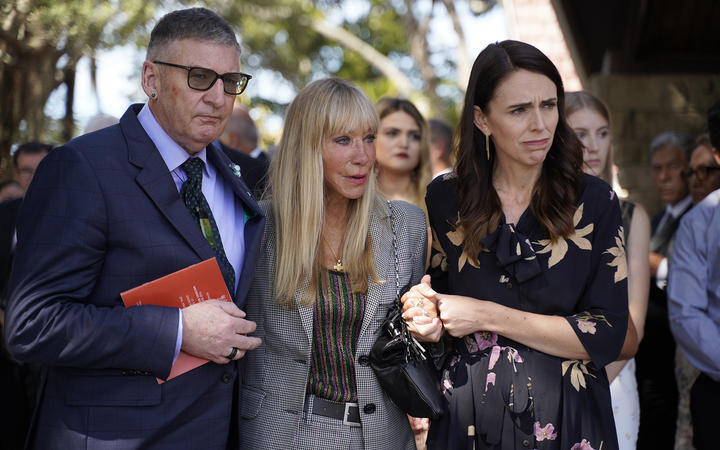 From left: Michael Macklin, Yvonne Moore and Prime Minister Jacinda Ardern. Photo: RNZ