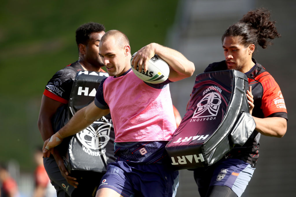 Simon Mannering (centre) is tired of the Warriors' hot-and-cold form. Photo: Getty Images