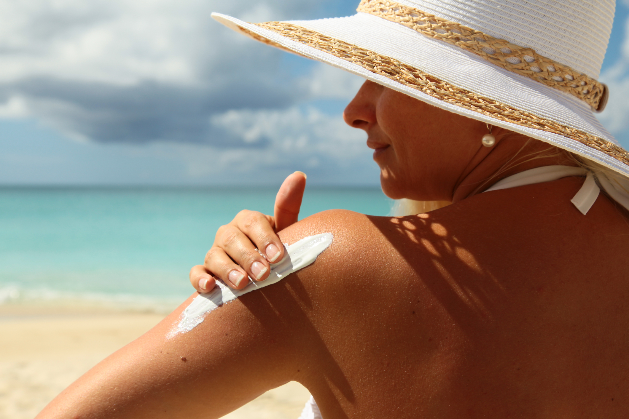 Mandatory sunscreen standards are needed, experts say. Photo: Getty Images