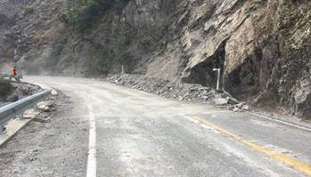 The slip site after NZTA crew spent the day clearing rocks. Photo: NZTA