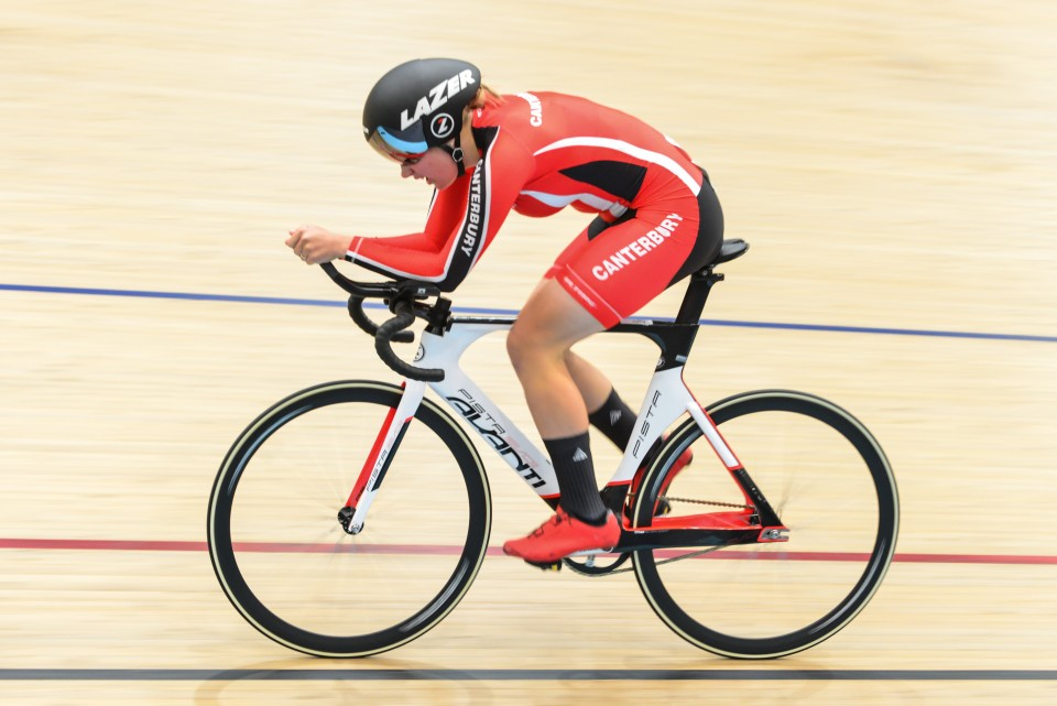 Amelia Sykes broke the 2000m individual pursuit record at the national age-group track...