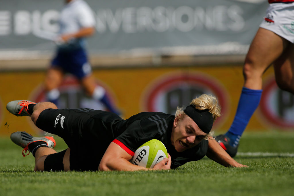 Mitch Karpik scoring one of three tries against the Chile Condores in Santiago. Photo: Getty Images