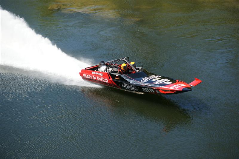 Jet Boat with a bad ass 454 - YouTube