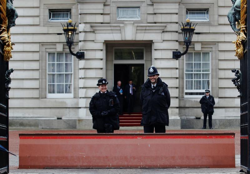 à¸à¸¥à¸à¸²à¸£à¸à¹à¸à¸«à¸²à¸£à¸¹à¸à¸à¸²à¸à¸ªà¸³à¸«à¸£à¸±à¸ buckingham palace police station