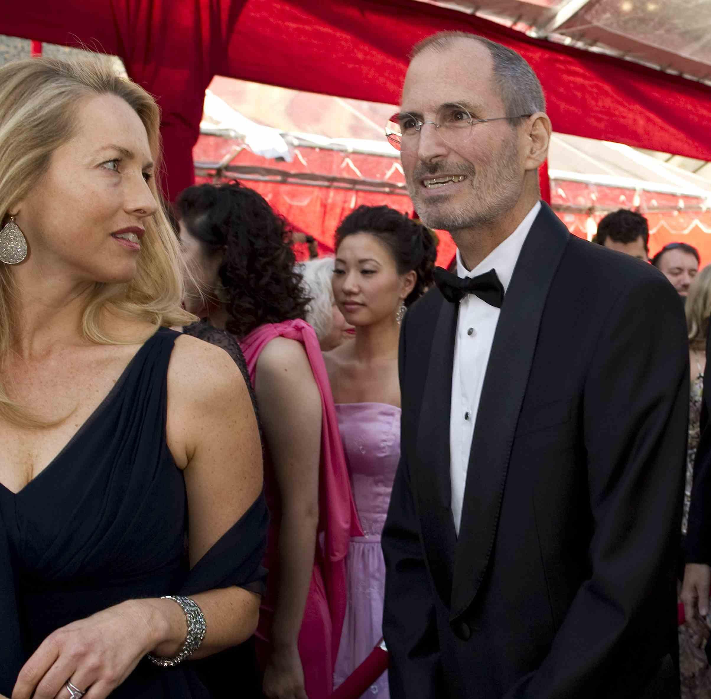 Steve Jobs Biography For Earlier Release