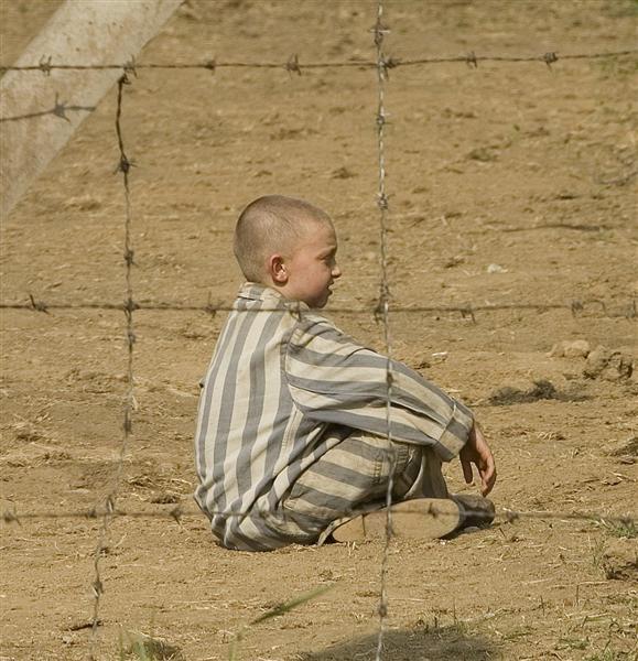 boy in the stripped pyjamas
