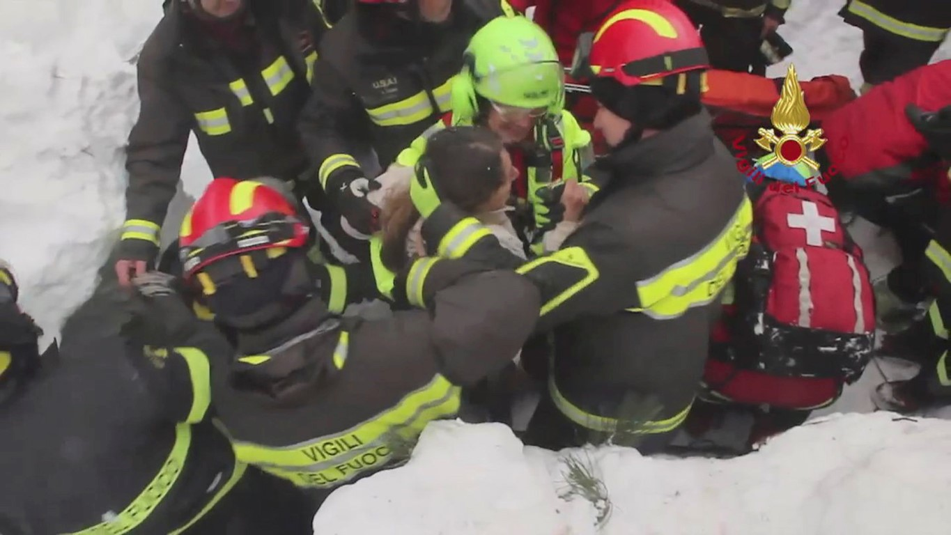 Italy avalanche: 10 survivors found   Otago Daily Times Online News