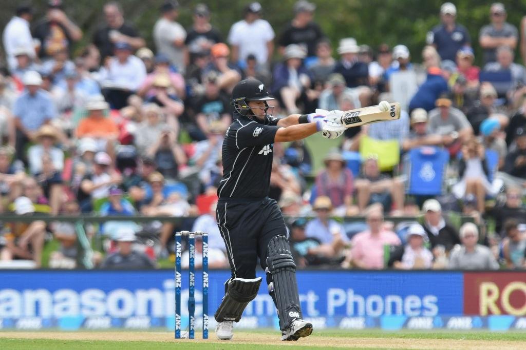 Taylor sets record as NZ make 289