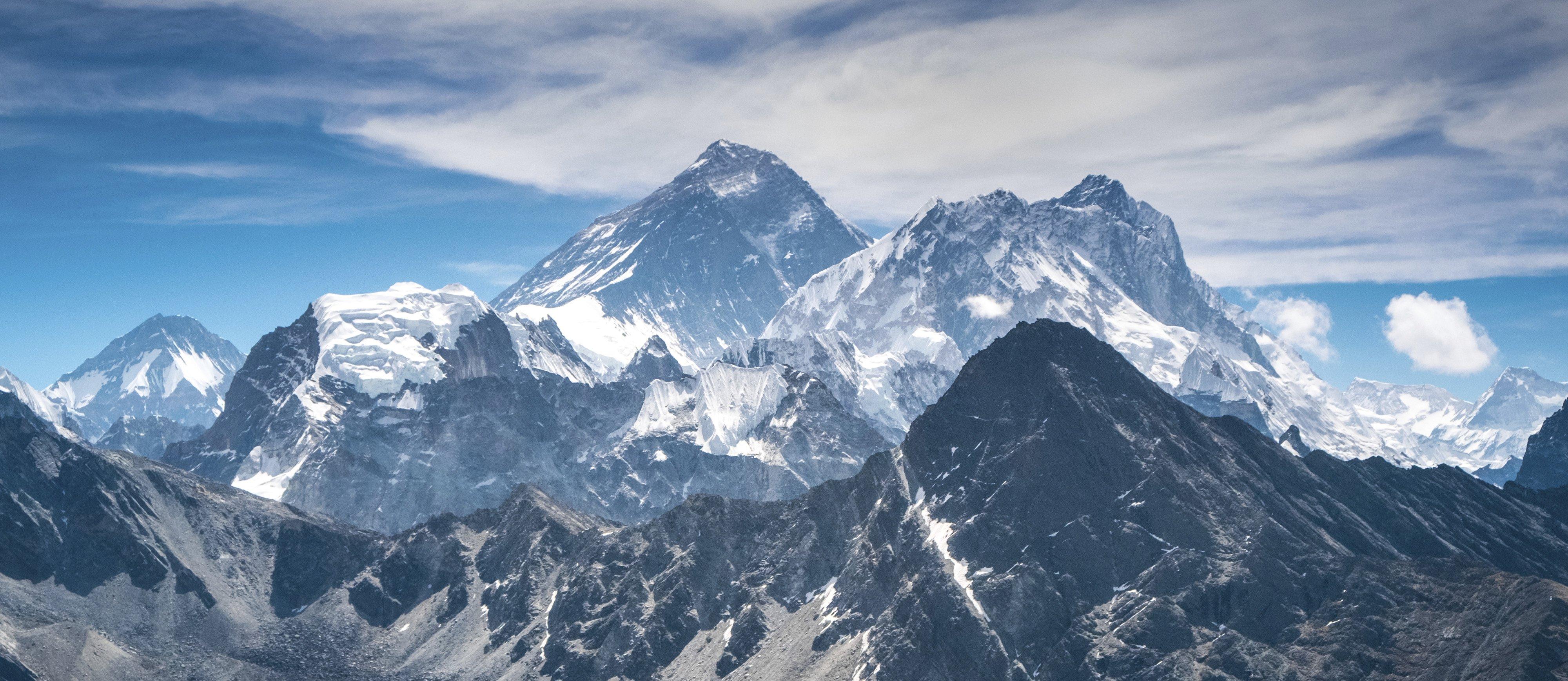 Australian Dies Descending Mt Everest
