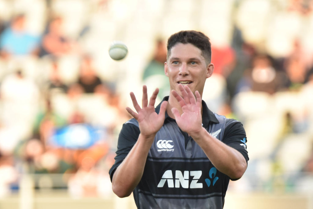 NZ wins toss, bats in tri-series T20 vs Australia