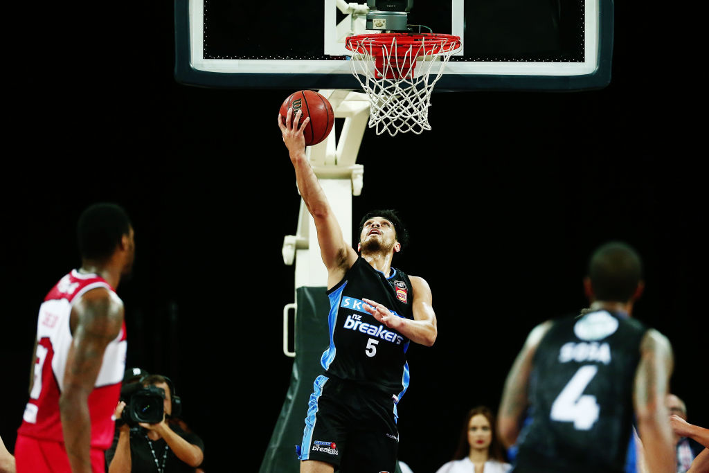 Shea Ili scores a reverse lay-up for the Breakers against the Illawarra Hawks. Photo Getty