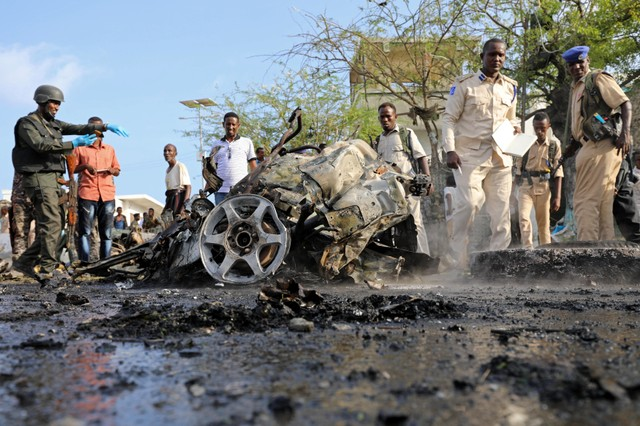 Vehicle bomb kills at least four in Mogadishu