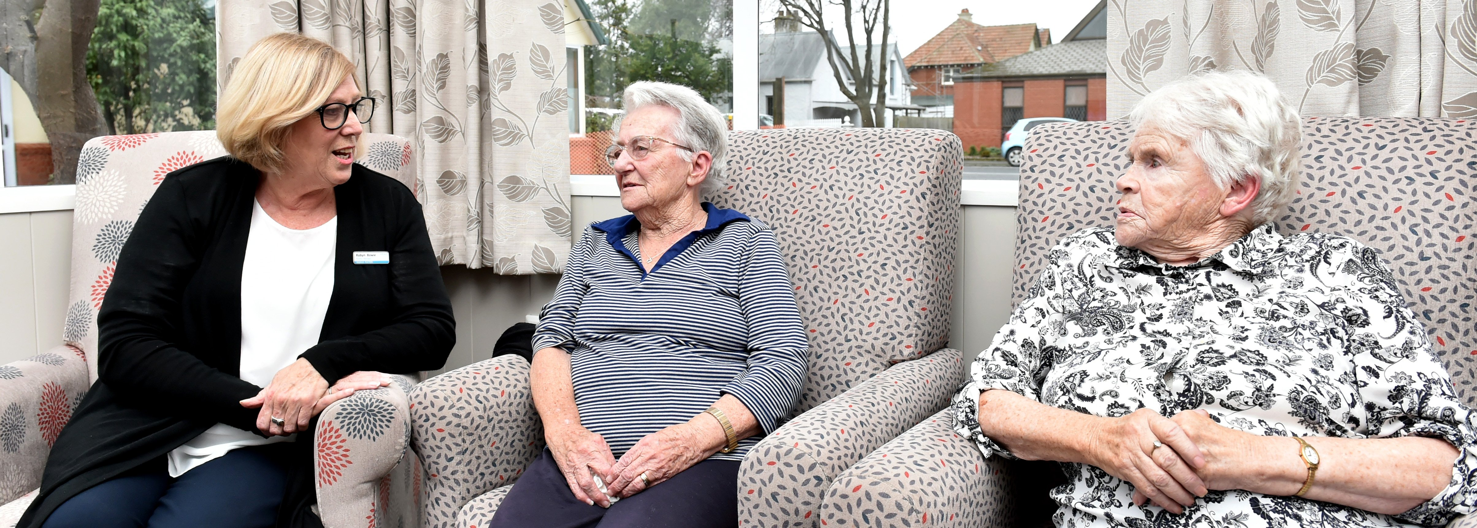 Radius Fulton Caversham facility manager Robyn Bowie catches up with residents Joyce Le Masurier...