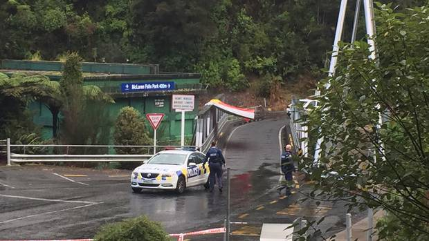 Cordoned scene at McLarens Falls bridge. Photo: NZ Herald