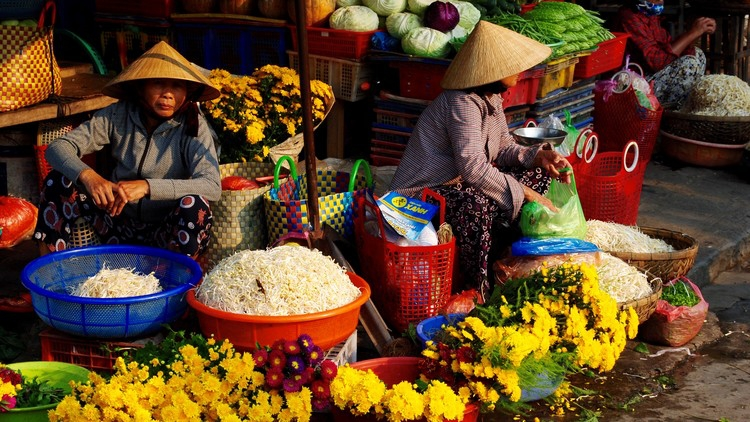 Hoi An market at dawn