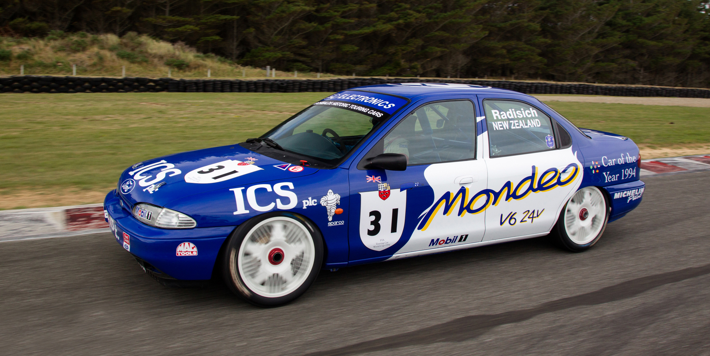 The Mondeo in action in New Zealand. (Photo: New Zealand Classic Driver)