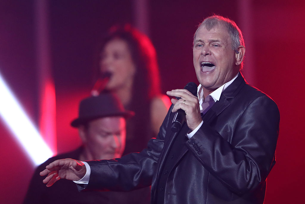 John Farnham performs in Sydney in 2016. Photo: Getty