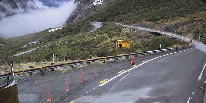 Milford Rd closes due to avalanche risk   Otago Daily Times