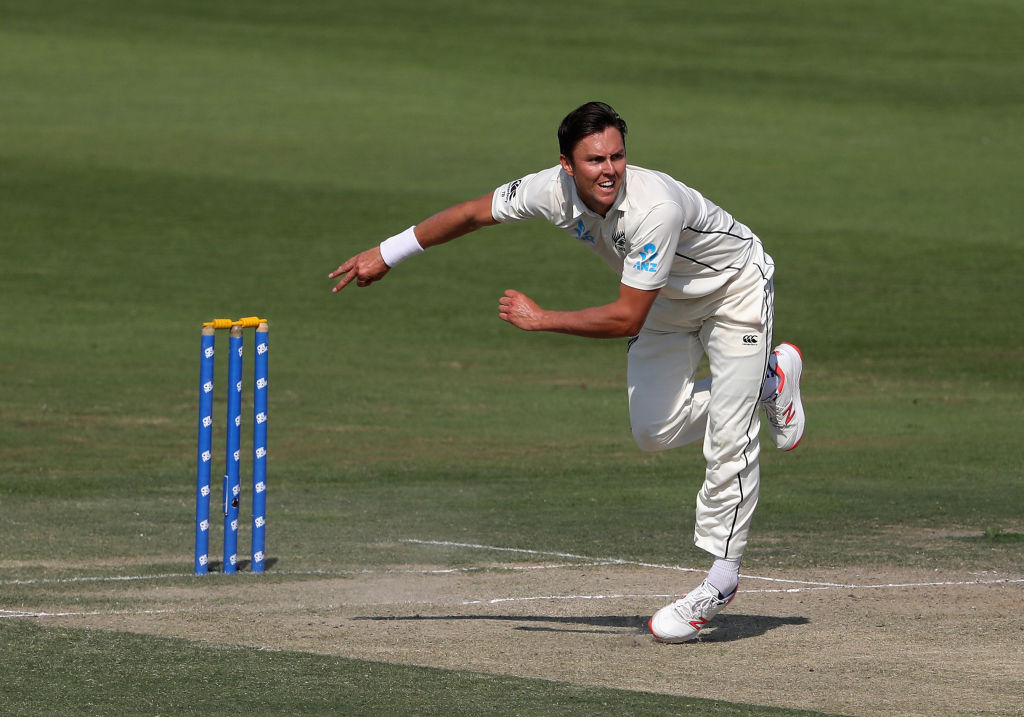 Trent Boult took a couple of early wickets for New Zealand before Pakistan fought back on day two...