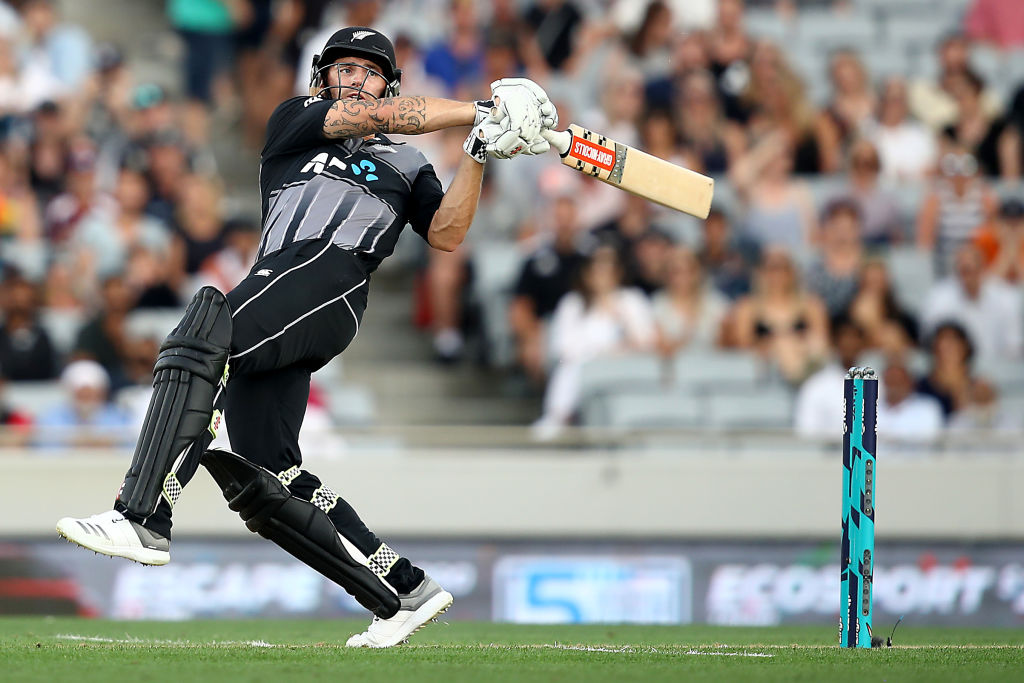 Doug Bracewell hits out for New Zealand against Sri Lanka in the T20 match at Eden Park. Photo:...