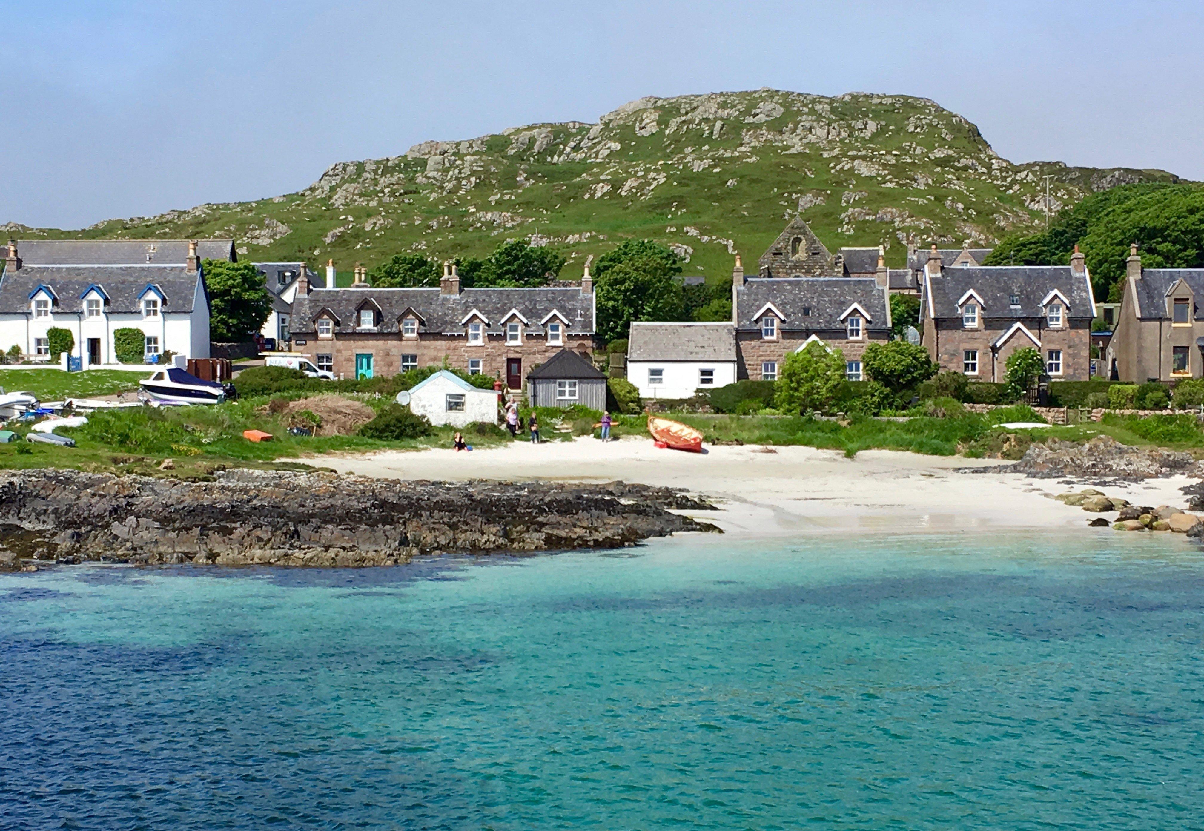 The shoreline of Iona. Photos: Julie Orr-Wilson