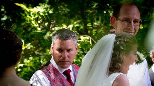 Paul Wilson (left) was groomsman for David Bain at his 2014 wedding. Photo: NZ Herald/File