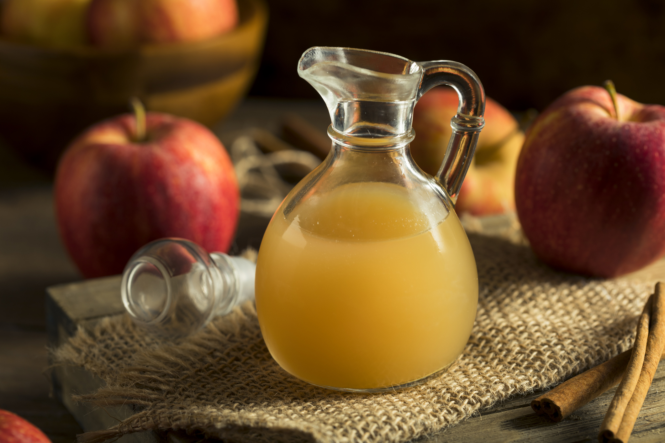 Apple cider vinegar slows the absorption of carbohydrates into the bloodstream and slows the breakdown  of starches into sugars. Photo: Getty Images