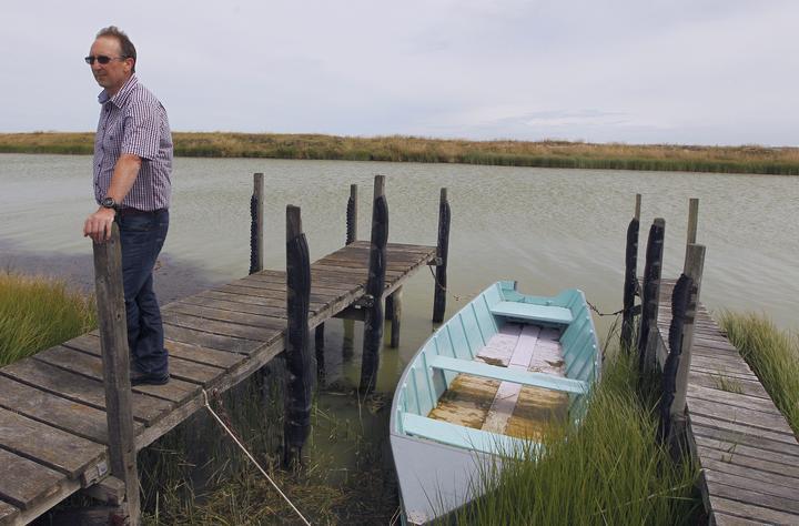 北坎特伯雷鱼类和游戏主席Alan Strong说减少捕捞限制将导致......