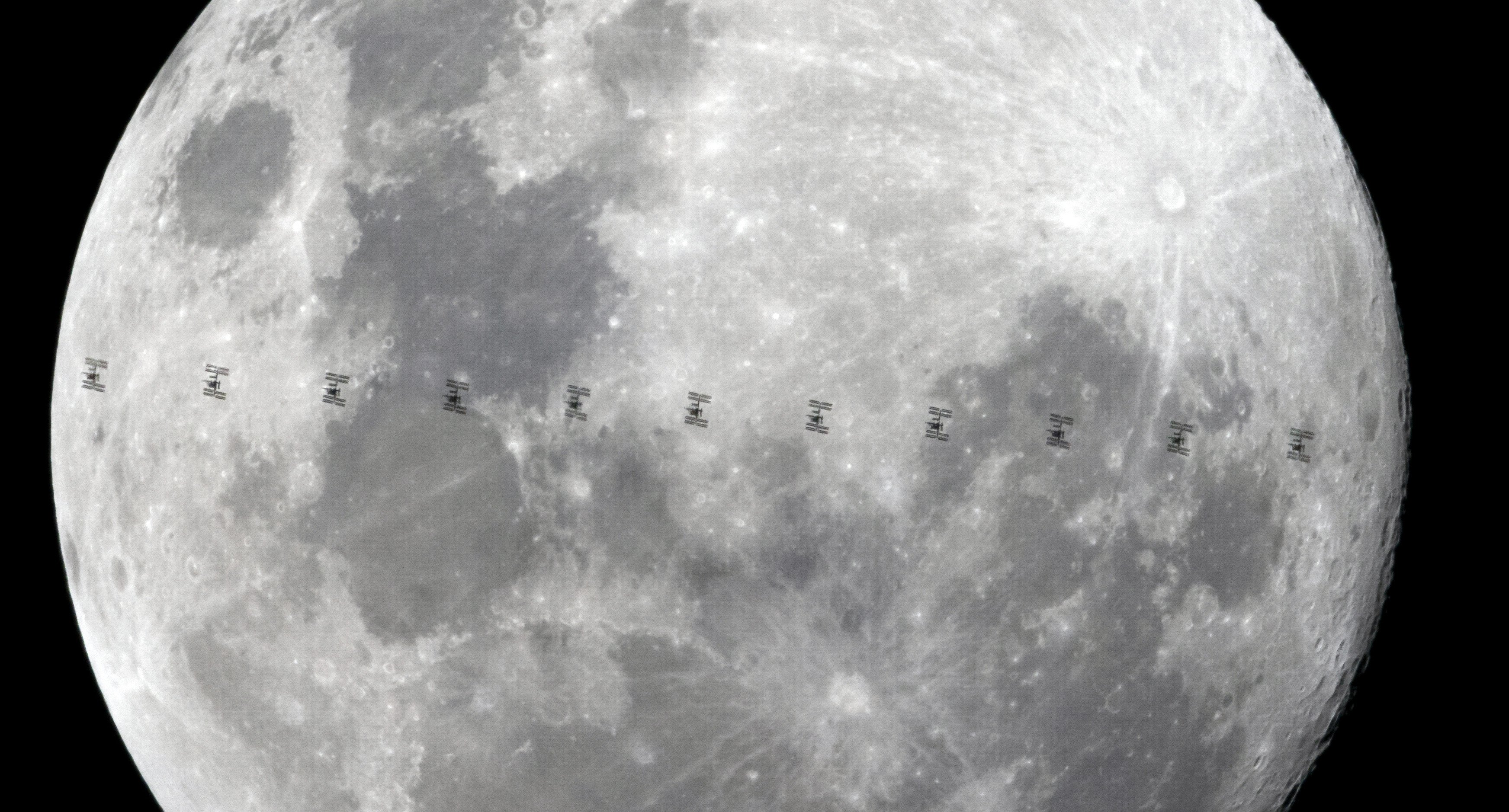 The International Space Station crosses the Moon. Photo: Ian Griffin