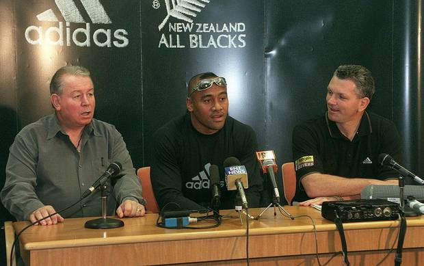 Jonah Lomu seen in 1999 with Phil Kingsley-Jones (left) and NZRFU CEO David Rutherford. Photo / Getty