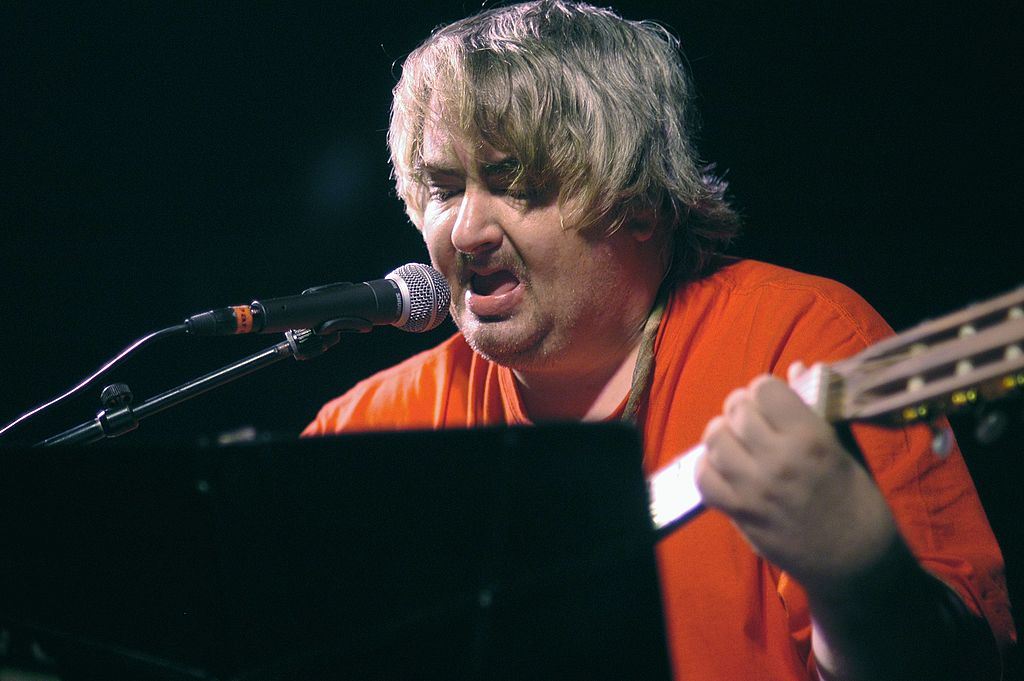 Daniel Johnston on stage at Paradiso in Amsterdam in October 2002. Photo: Getty