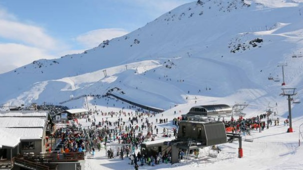 The girl was skiing with her family at Mt Hutt when she hit her head on rocks. Photo: NZ Herald/file