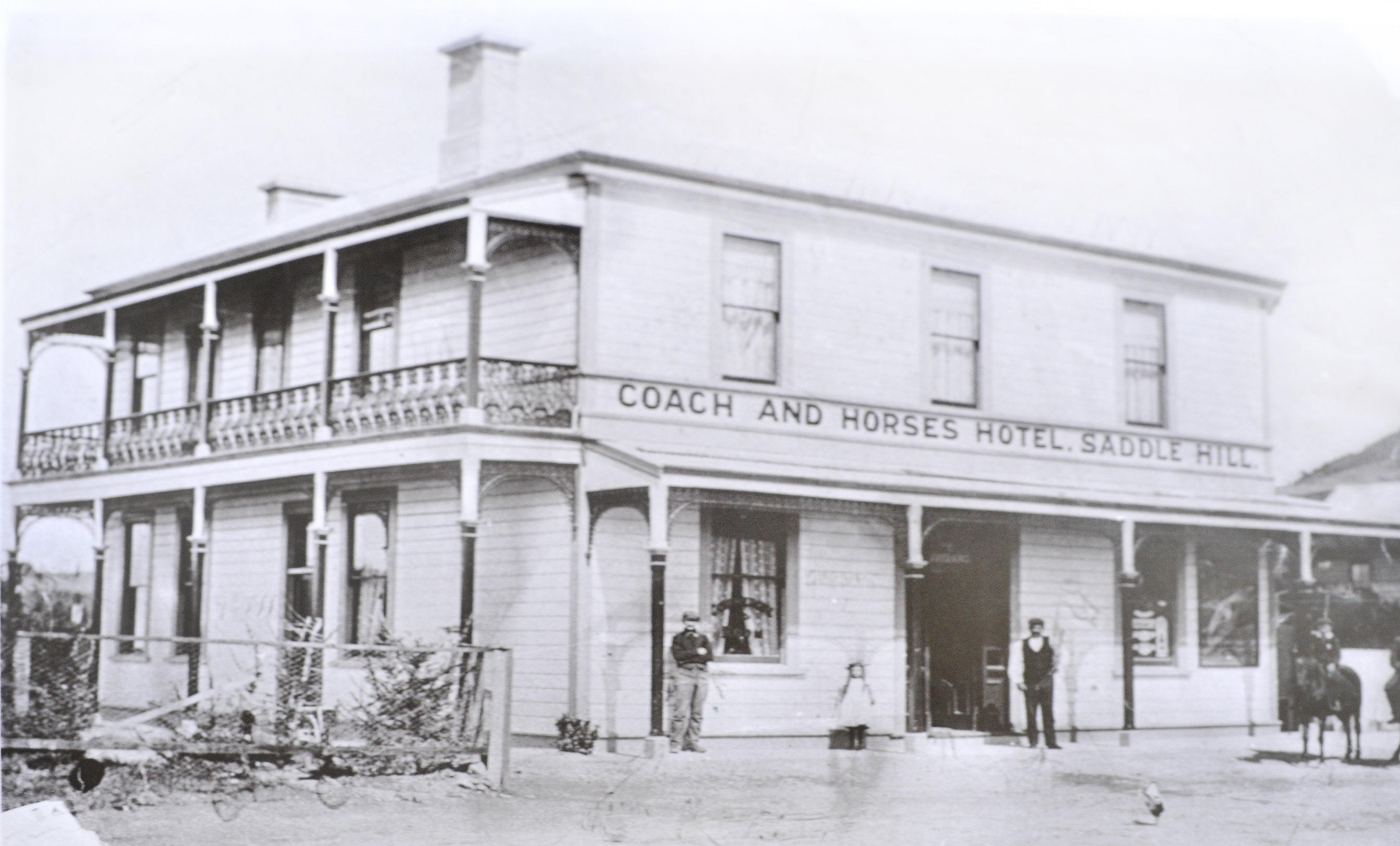 The Coach and Horses Hotel in 1904.