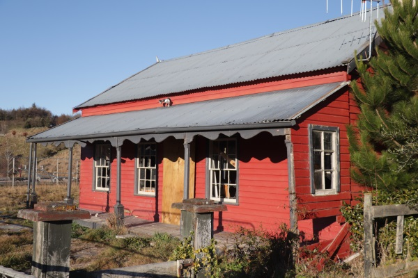 The front of Bridesdale Farm's McBride Cottage. Photo: Mountain Scene