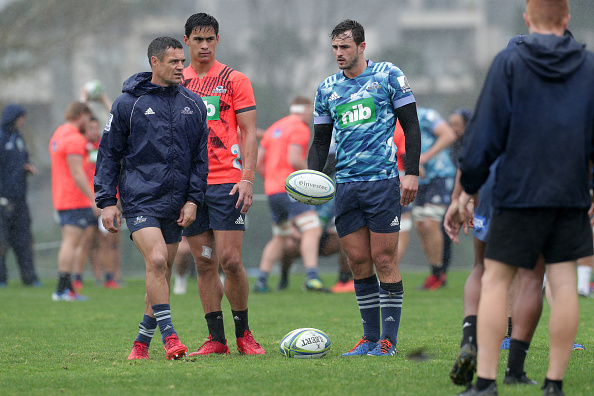 Dan Carter and Harry Plummer during a Blues training session. Photo: Getty Images