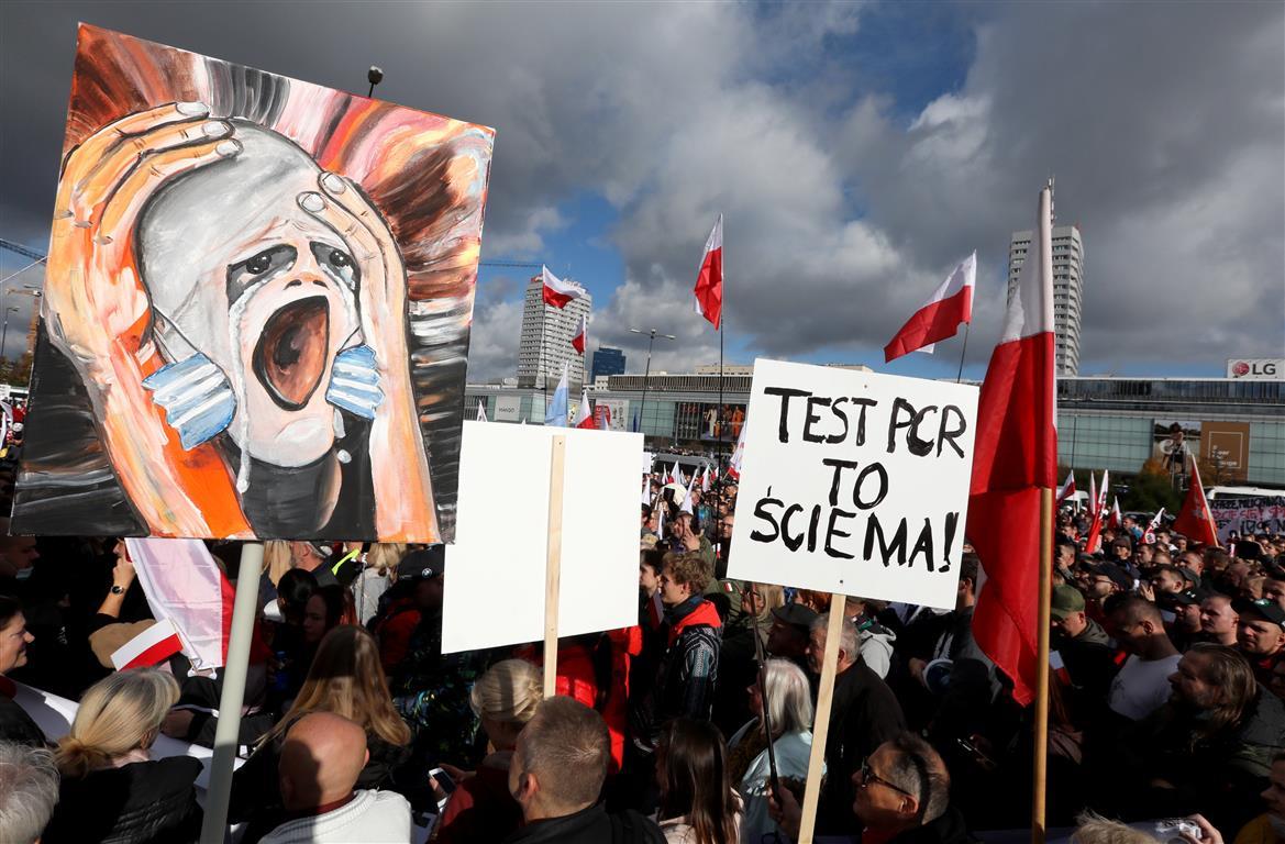 Polish President Andrzej Duda Quarantines After Testing Positive For Coronavirus