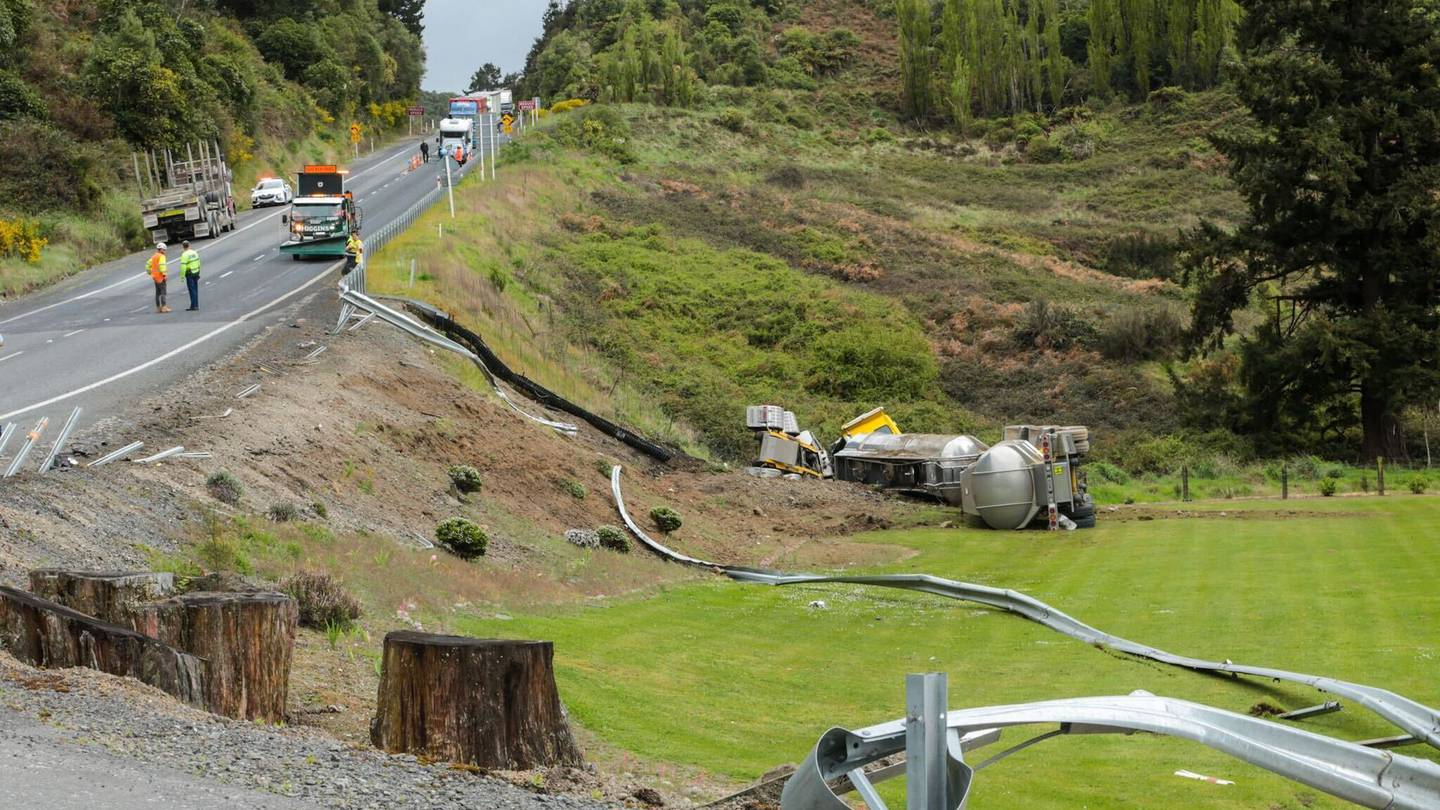 Emergency services at the scene of the crash on SH5. Photo:  NZ Herald