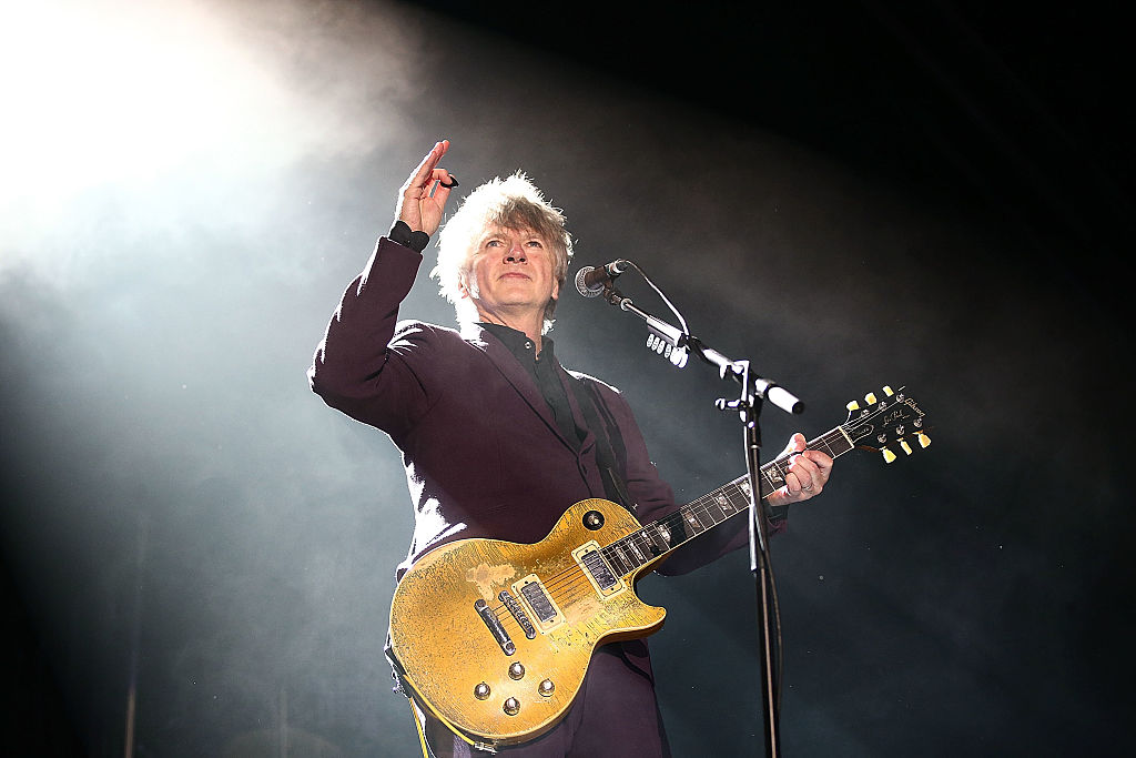 Neil Finn performs with Crowded House in Sydney in 2016. Photo: Getty