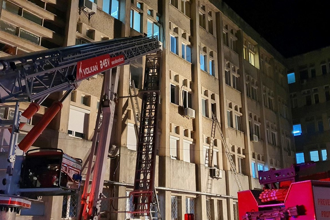 Firefighter ladders on the walls of the hospital where the fire broke out. Photo: Inquam Photos...