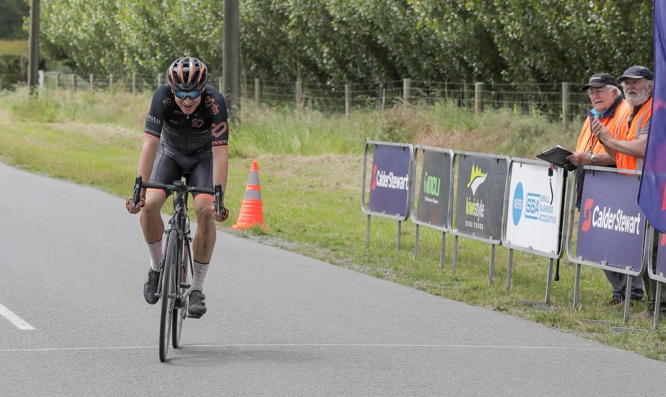 Wanaka cyclist Paul Wright (MitoQ-SBS NZ) won the Kiwi Style Bikes Tours Hell of the South elite...