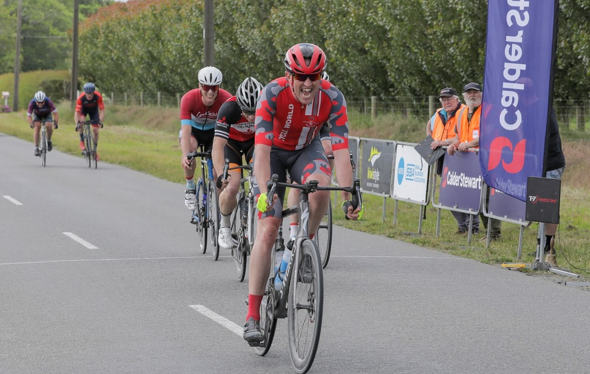 Andy Hilton (Cycle World Emersons) claimed the overall master's honours in Sunday's Hell of the...