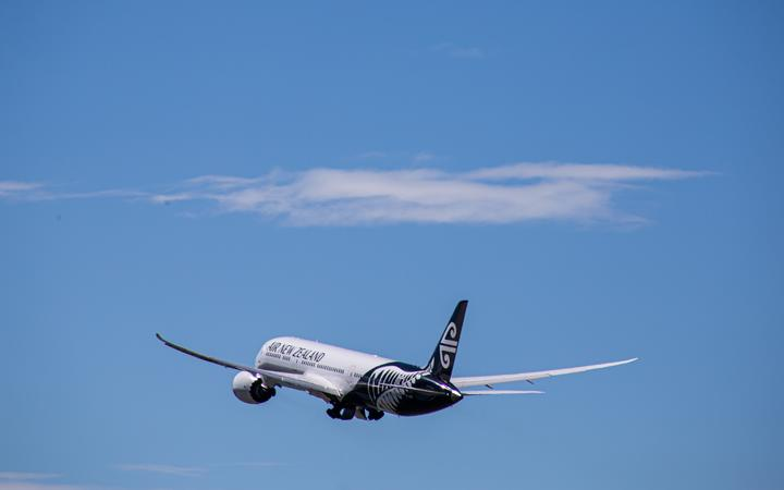 The first quarantine-free flight from New Zealand to Australia left Auckland for Sydney on 16...